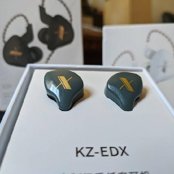In ear headphones price in Sri Lanka